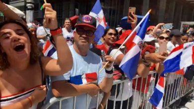Photo of Charytin Goyco y Fefita La Grande muestran su orgullo patrio en la 37 versión del Desfile Dominicano de New York