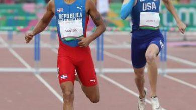 Photo of Juander, «con to´» avanza final 400 metros con vallas