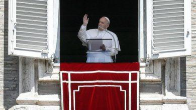 Photo of El papa expresa su pesar por tiroteos que dejan 30 muertos en Estados Unidos