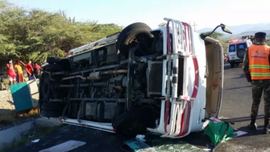 Photo of Accidente entre Azua y Barahona deja 5 heridos