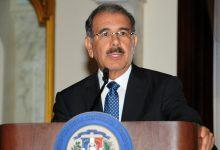 Photo of Danilo Medina nombra dos embajadores y un administrador en los subsidios sociales