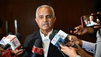 Photo of Ministro de Agricultura promete dar soporte a pequeños productores de pollo en Moca