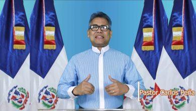 Photo of Carlos Peña retira sus aspiraciones presidenciales