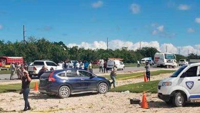 Photo of Hallan dos personas muertas en una yipeta en Punta Cana