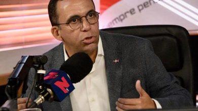 Photo of Andrés Navarro advierte cambios que ofrece Abinader son retroceso para el país