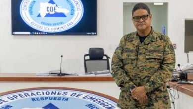 Photo of Luis Abinader ratifica al general Méndez como director del COE