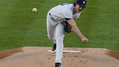 Photo of Cole hila 20mo triunfo y NY vence a Boston