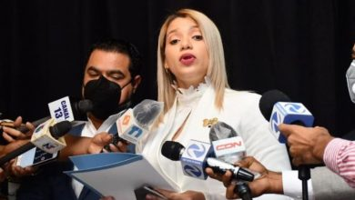 Photo of Ven atinada solicitud de licencia anunciada por Kimberly Taveras