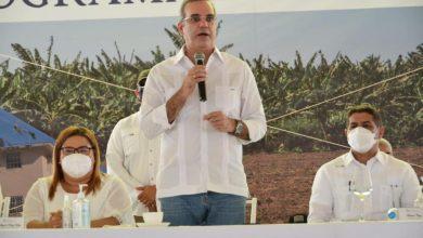 Photo of «Azua necesita ayuda del Gobierno y le vamos a dar ayuda», afirma Abinader