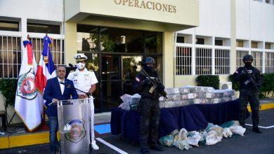 Photo of Apresan a dos hombres y ocupan 350 paquetes de supuesta cocaína en Bayahíbe