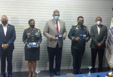 Photo of Interior y Policía entrega tarjeta simbólica para transporte gratis