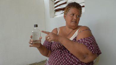 Photo of Colmados venden a 20 pesos trago de alcohol adulterado
