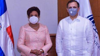 Photo of La Superintendente de Seguros Josefa Castillo presenta proyectos a ministro de Hacienda Jochi Vicente