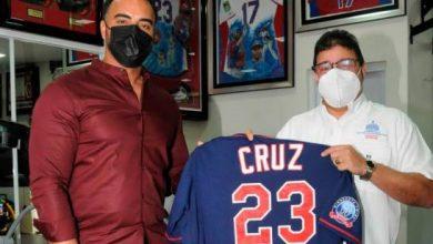 Photo of Nelson Cruz continúa su labor humanitaria; Camacho valora la obra del pelotero