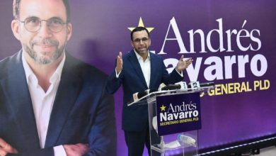 Photo of Andrés Navarro presenta candidatura a la secretaría general del PLD